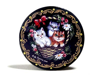 3 Cats in a Basket Brooch 2