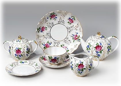 Buy Golden Grass 14pc. Tea Set at GoldenCockerel.com